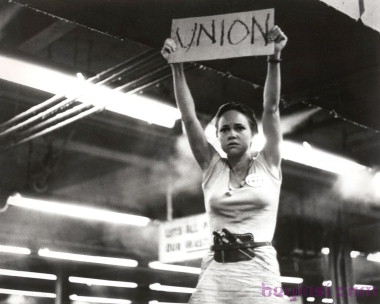 www.kobal-collection.com Title: NORMA RAE ¥ Pers: FIELD, SALLY ¥ Year: 1979 ¥ Dir: RITT, MARTIN ¥ Ref: NOR005AS ¥ Credit: [ 20TH CENTURY FOX / THE KOBAL COLLECTION ] NORMA RAE (1979) , January 1, 1979 Photo by Kobal/20TH CENTURY FOX/The Kobal Collection/WireImage.com To license this image (10601521), contact WireImage: U.S. +1-212-686-8900 / U.K. +44-207-868-8940 / Australia +61-2-8262-9222 / Germany +49-40-320-05521 / Japan: +81-3-5464-7020 +1 212-686-8901 (fax) info@wireimage.com (e-mail) www.wireimage.com (web site)